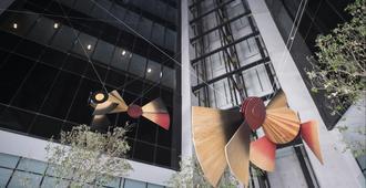 جراند فييستا أمريكانا مونتيري فالي - مونترّي - مبنى