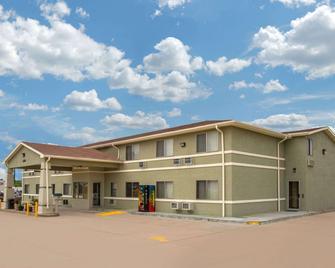Days Inn by Wyndham North Platte - North Platte - Building