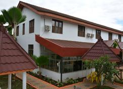 Keys Hotel - Moshi - Building