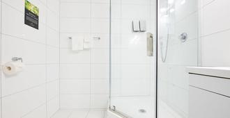 Mount Richmond Hotel - Auckland - Bathroom