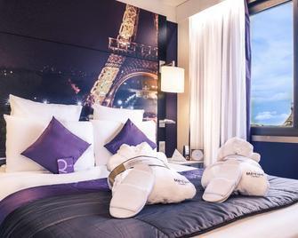 Mercure Paris Centre Tour Eiffel - Париж - Спальня