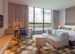 Crowne Plaza Changi Airport - Singapore - Living room