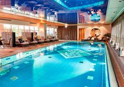Hotel Vier Jahreszeiten Kempinski München - Monaco di Baviera - Piscina