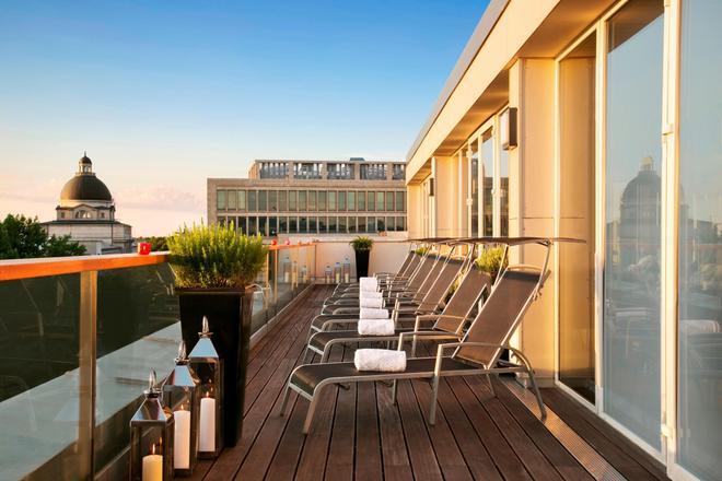 Hotel Vier Jahreszeiten Kempinski München - Munich - Balcony