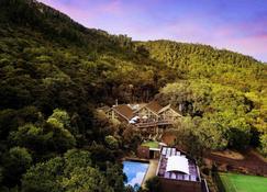 Grand Mercure Puka Park Resort - Pauanui Beach - Θέα στην ύπαιθρο