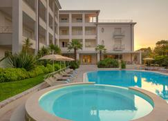Hotel Nazionale - Desenzano del Garda - Pool
