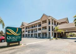 Quality Inn Temecula Valley Wine Country - Temecula - Building
