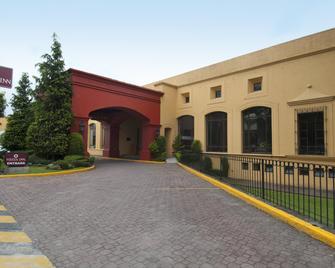 Fiesta Inn Toluca Tollocan - Toluca - Building