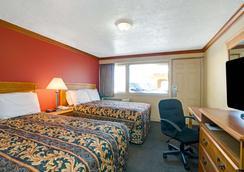 Knights Inn Galveston - Galveston - Makuuhuone