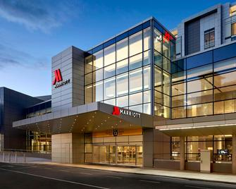 Calgary Airport Marriott In-Terminal Hotel - Calgary - Building