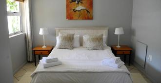 Beachcombers Bed & Breakfast - Agulhas - Bedroom