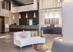 Sandman Hotel & Suites Abbotsford - Abbotsford - Recepción
