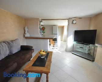 Lakeside Apartment - Ringgenberg - Living room