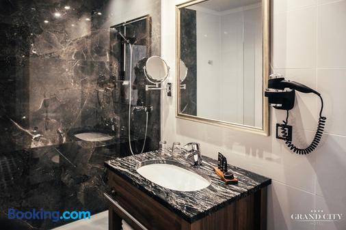 Grand City Hotel Wroclaw - Wroclaw - Bathroom