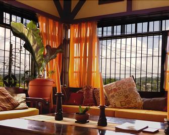 Casa Semuc - Coban - Living room