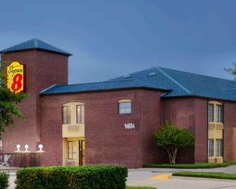 Super 8 by Wyndham Farmers Branch/North Dallas - Farmers Branch - Building