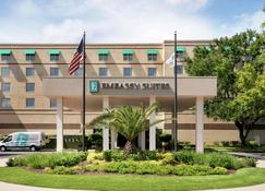 Embassy Suites by Hilton Brunswick - Brunswick - Building