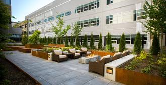 Staybridge Suites Seattle - South Lake Union, An IHG Hotel - סיאטל - פטיו