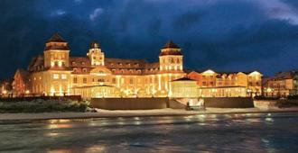 Travel Charme Kurhaus Binz - Binz - Edificio