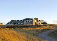 Sandton Paal 8 Hotel aan Zee - West-Terschelling - Gebouw