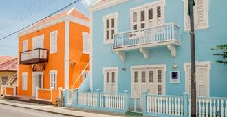 Poppy Hostel Curacao - Виллемстад
