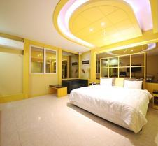 Hotel 2ne1