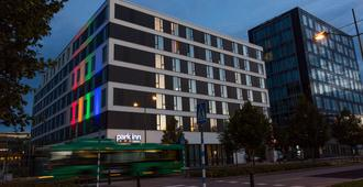 Park Inn by Radisson Malmo - Malmo - Edificio