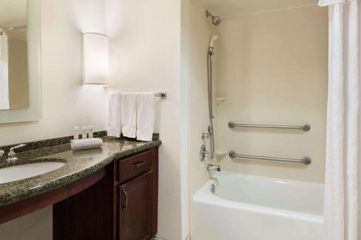 Homewood Suites by Hilton Tampa Airport - Westshore - Tampa - Phòng tắm