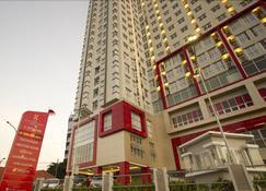 Hotel Gunawangsa Merr - Surabaya - Edificio