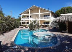Wayaca Mini Resort - Willemstad - Pool