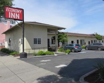 Economy Inn Richmond - Richmond - Building