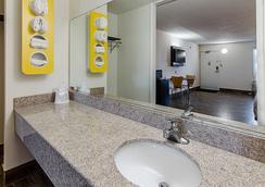 Motel 6 Staunton, VA - Staunton - Baño