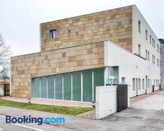 Casa Lucia Valentini Terrani - Padua - Edificio