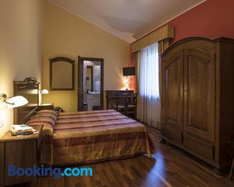 La Torre ai Mari - Sarteano - Bedroom