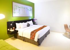 J Hotel - Bandara Soekarno Hatta - Tangerang City - Phòng ngủ