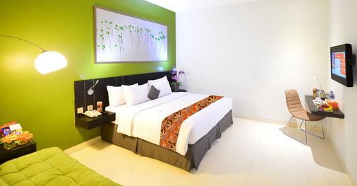 J Hotel Bandara Soekarno Hatta - Tangerang City - Bedroom