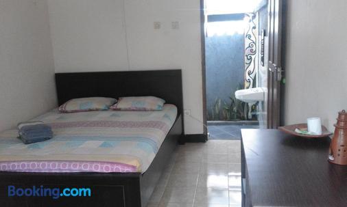 Indah Homestay - Senggigi - Bedroom
