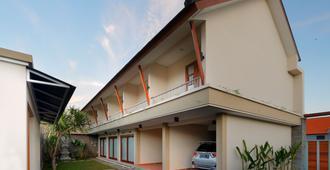 Iconic Bali Living - Denpasar - Building