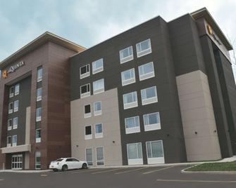 La Quinta Inn & Suites by Wyndham Buffalo Amherst - Amherst - Gebäude