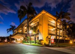 Best Western Plus Orange County Airport North - Santa Ana - Edificio