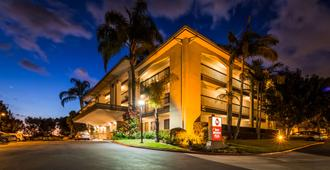 Best Western Plus Orange County Airport North - Santa Ana - Edificio