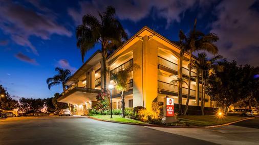 Best Western Plus Orange County Airport North - Santa Ana - Rakennus
