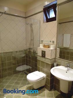 Hotel Curtea Brasoveana - Braşov - Phòng tắm