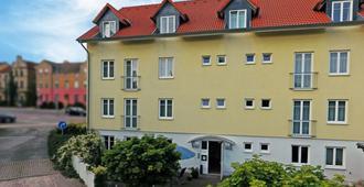 Dw Hotel Zur Sonne - Waren - Gebouw