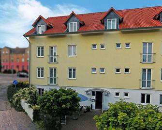 Dw Hotel Zur Sonne - Waren - Edifício