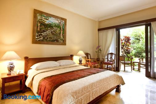 Hotel Kumala Pantai - Kuta - Schlafzimmer