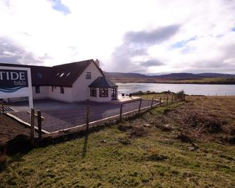 The Tide B&B - Isle of Skye - Building