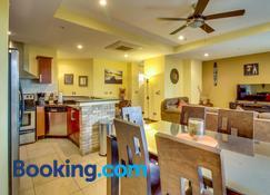 Naxos 16 - Tamarindo - Living room