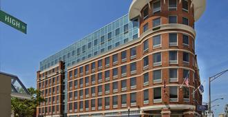Hampton Inn & Suites Columbus Downtown - Columbus - Edificio