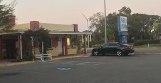 Family Inn - Sarasota